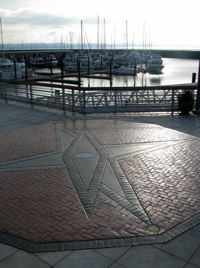 Des Moines Marina Compass Rose